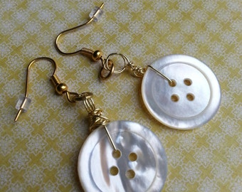 Vintage Ivory Button Earrings - Gold