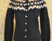 Handknit Icelandic sweater, warm AND pretty.