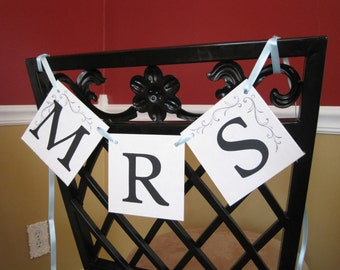 Mr and Mrs chair banner, bride and groom chair banner set, bride and groom sign, mr and mrs sign, wedding photo prop banner,mr and mrs chair