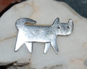 Anne Harvey Vintage Sterling Silver Standing Fang Kitty Cat Feline Brooch with Attitude