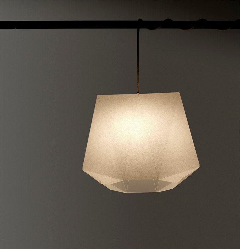 lampe a3 blanc papier origami abat jour par kingkongdesignshop. Black Bedroom Furniture Sets. Home Design Ideas