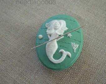 Mermaid needle minder magnetized needle holder