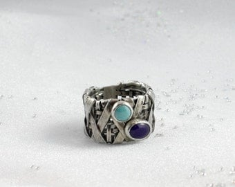 Turquoise ring. Sugilite ring. Wide organic ring.  SIZE 9 - 9 1/4. Anneau. Fingerring.