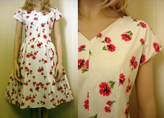 Vintage 1950's Red FLORAL Print Dress (M)