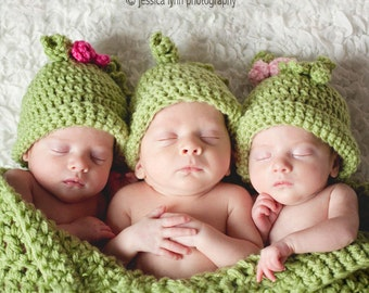 Triplets Pea Pod, 3 Peas In a Pod for Triplets, Sweet Pea Photo Prop, Crochet Cocoon and Hats for Triplets Photo Prop
