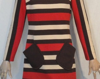 Lovely Red Brown Tan Striped Knit Long Sleeved Dress B36