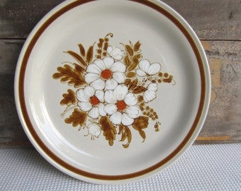 Vintage Mountain Wood Collection Dried Flowers Stoneware Dinner Plate made in Japan