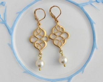 Gold oriental style Cream Swarovski Pearl earrings, wedding earring, bridesmaid, pearl earring, bridal earrings, pearl drop earrings  PD01