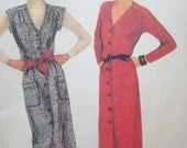 Vintage Front Button Dress or Jumper Pattern 1980s McCalls 7239  Size 10