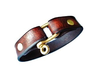 Customizable Leather Nautical D-Shackle Cuff - Third Anniversary Gift - Best Man Gift - Leatherwork - Gift Box Included