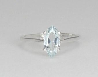 Natural Aquamarine Sterling Silver Ring / Aquamarine Silver Ring / Gemstone Ring