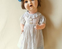 Antique German composition doll 1920s, marked M u M Germany, sleeping eyes, human hair, shabby old doll in fine vintage condition