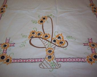VINTAGE BED COVERLET Sofa Cover Bedspread Embroidered Flower Basket Tablecloth Shower Curtain