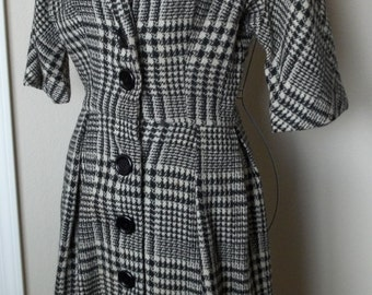 SALE!  1950s Vintage Houndstooth checked wool work dress