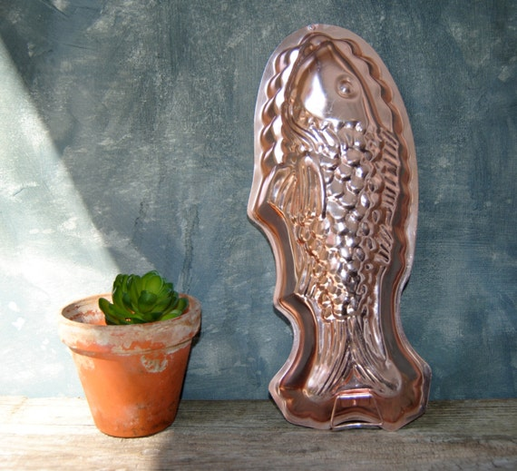 Pink aluminum fish mold mid century jelly mold vintage for Aluminum molds for fishing