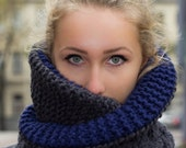 Knitted Cowl / Textured / Grey / Navy / Unisex