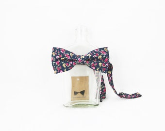 LAST FEW // Pip 01 - Navy Floral Men's Pre-Tied Bow Tie or Self-Tied Bow Tie