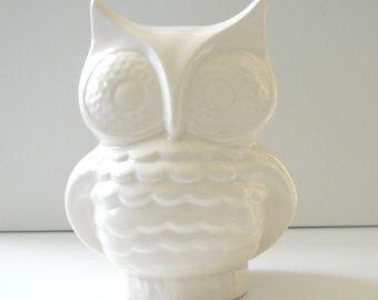 Ceramic Owl Planter, White Owl Vase, Owl Flower Pot, Lucky Bamboo Pot, Owl Decoration, Living Romm Decor, Vintage Design, White Owl Vessel