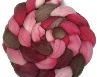Handpainted Superfine Merino Wool Roving - 4 oz. VICTORIA - Spinning Fiber