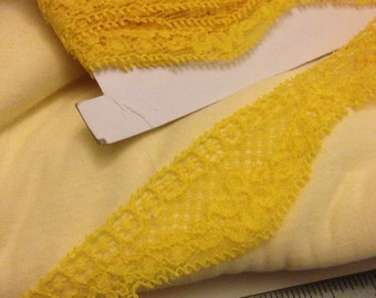 Stretch Lace in Yellow 3 Yards