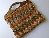 Vintage Crochet bag with wooden handles, Chevron pattern, Autumn colours, zig zag, 1960s, V0118