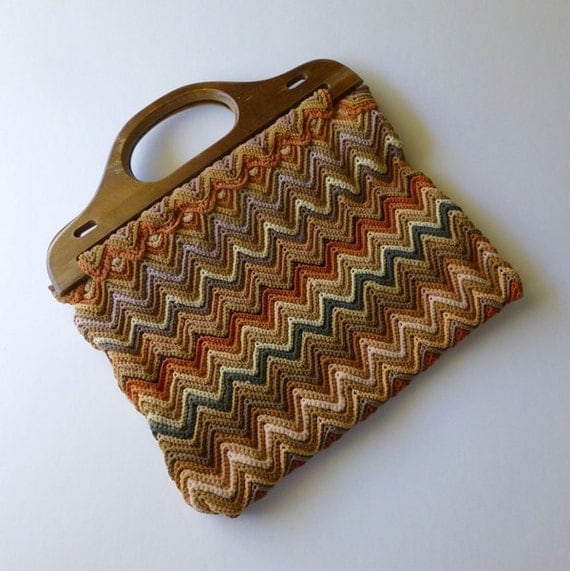 Crochet Purse Patterns With Wooden Handles : Vintage Crochet bag with wooden handles, Chevron pattern, Autumn ...