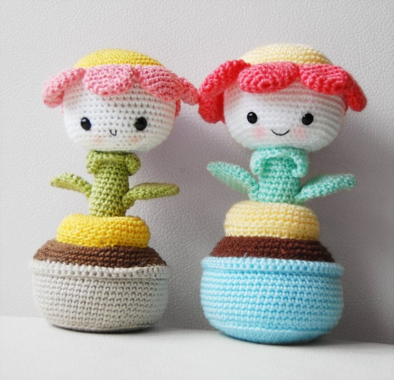 Amigurumi Crochet Flowers : Amigurumi Crochet Flower Pattern - Daisy the Flower ...