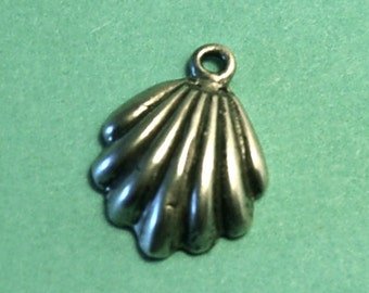Vintage Sterling Scallop Shell Charm