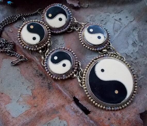 Vintage Yin Yang Statement Necklace, Hippie, Boho, 1970's, Resin inlay, Statement Jewelry, Yin Yang jewelry, Hippie Jewelry, Hippie Necklace