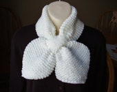 Knitted White Chunky Acrylic Bow Tie Scarf/Neckwarmer