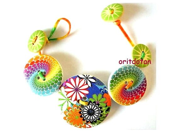 Buttons bracelet, button jewelry made of wood buttons