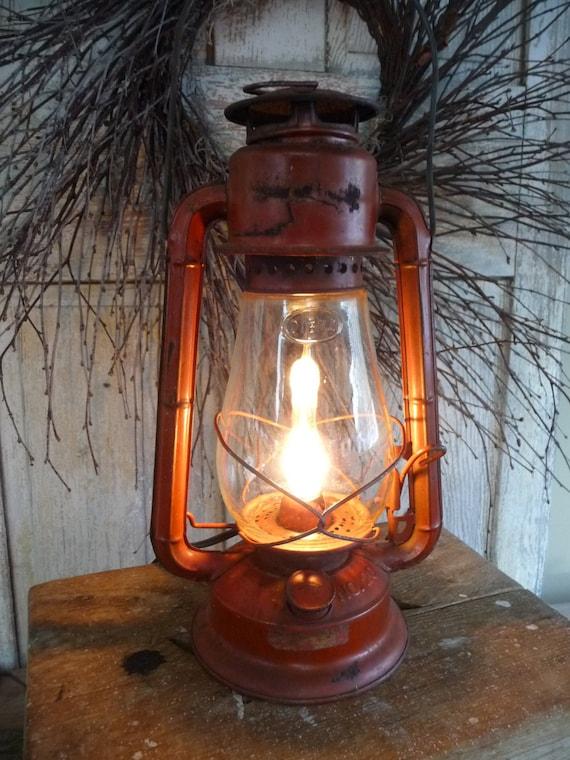 Primitive Red Rusty Vintage Electric Dietz No 20 Barn Lantern