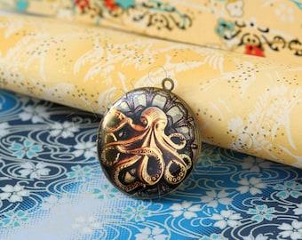 1pc handmade Octopus round antique brass locket 32mm (LD113)