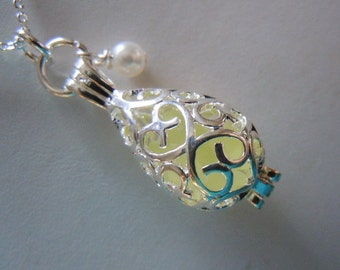 Sea Glass Locket, Pale Yellow Beach Glass Jewerly, Seaglass Necklace