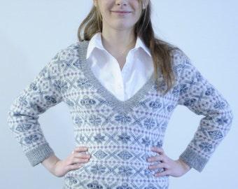 Damaress Fitted Fair Isle Sweater by Elizabeth Lovick in 4 ply/fingering yarn