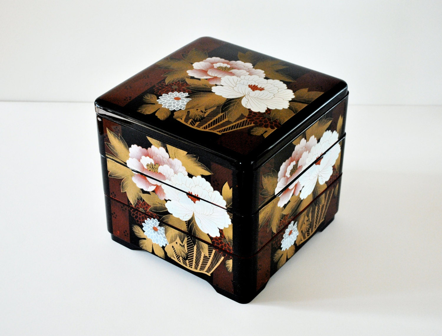 vintage bento box japanese lacquer ware large by daisychainvintage. Black Bedroom Furniture Sets. Home Design Ideas