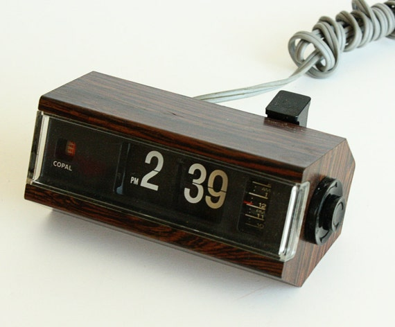 copal flip clock 227 japan vintage alarm faux wood. Black Bedroom Furniture Sets. Home Design Ideas