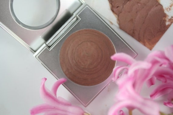 Cream Eyeshadow - Vegan Organic Makeup in Daylily neutral natural color