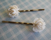 Vintage Flowers on Brass Bobby Pins 1950s Made in Japan White Roses Something Old Rare Celluloid Molded Flowers
