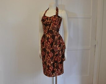 50s dress / Sarong Yet So Right Vintage 1950's Dress Hawaiian