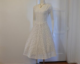 1950s dress / Women In White Vintage 50's Cotton Lace Full Skirt Lucy Dress