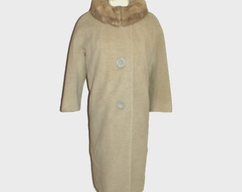 1960s coat / vintage 60s coat / large l / Vintage Fur Collar Coat