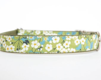 Liberty of London Dog Collar - Green Daisies