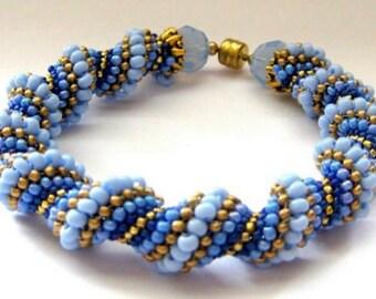 lilac beadweaving bracelet