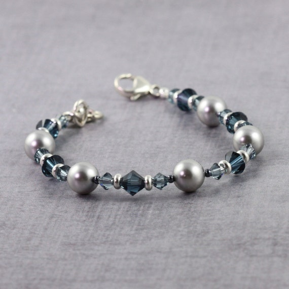Gift for Her, Gray Pearl Bracelet, Sapphire Blue and Silver Jewelry, Dark Blue, Winter Wedding, Mother of the Bride, Ready to Ship