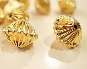 12 Vintage beads crimp pleated folded disk ufo shape unusual 15 mm plated in gold color corrugated