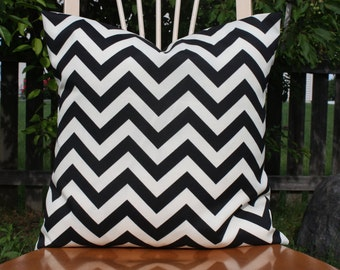 Black and Cream Chevron Indoor/Outdoor Pillow Cover