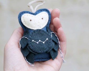 CASSIOPEIA Star Gazer Owl Ornament, Unique Embroidered Plush Felt Owl Christmas Ornament, Astronomer Gift, Handmade by OrdinaryMommy on Etsy