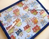 Chalkimamy Blue sleepy owls TRAVEL chalkboard mat/placemat (a)