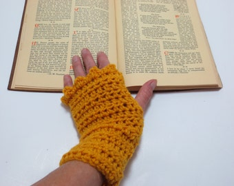 Curry Fingerless Gloves - Wrist warmers - Curry Crochet Gloves - Curry wrist warmers